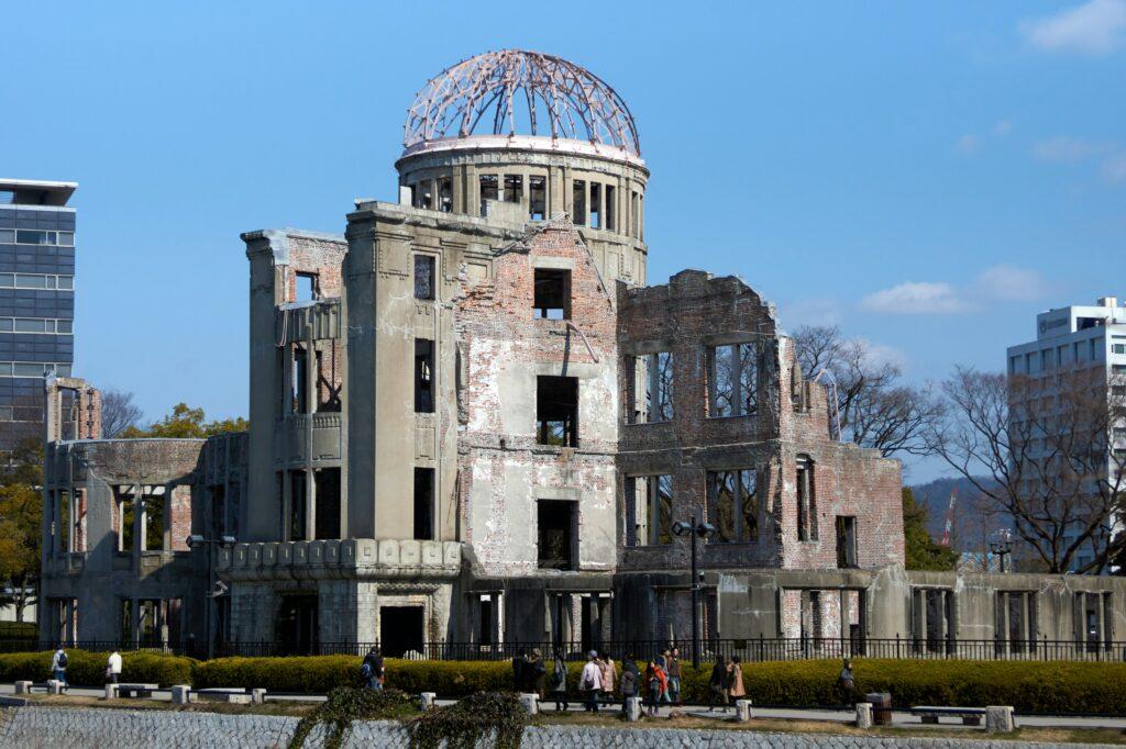 Dôme de Hiroshima, resté tel qu'après la bombe nucléaire larguée sur la ville en 1945
