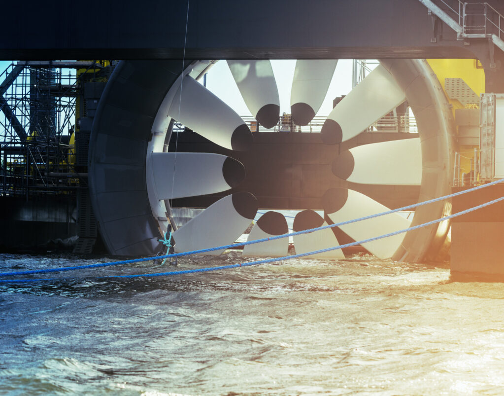 Hydrolienne sur une plateforme de test à Halifax (Nouvelle-Écosse, Canada)